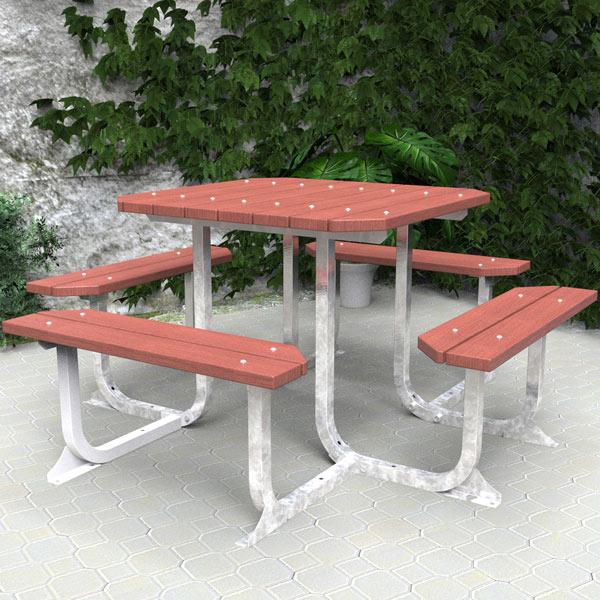 Square table setting