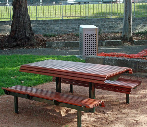 Yarra Park Setting