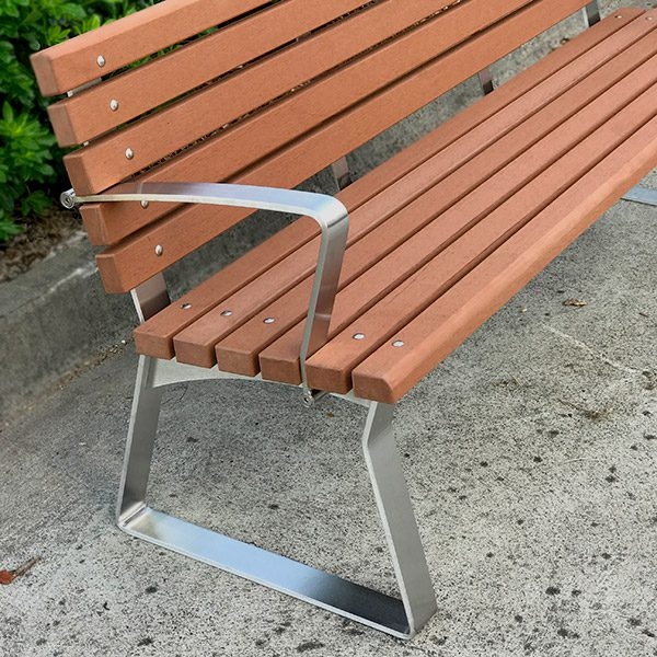 Kiama Freestanding Seat with Back