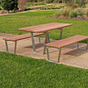 Kiama Park table setting