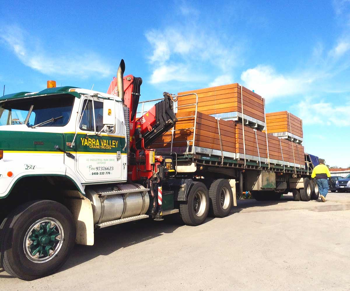 Loaded truck bound for Queen Vic