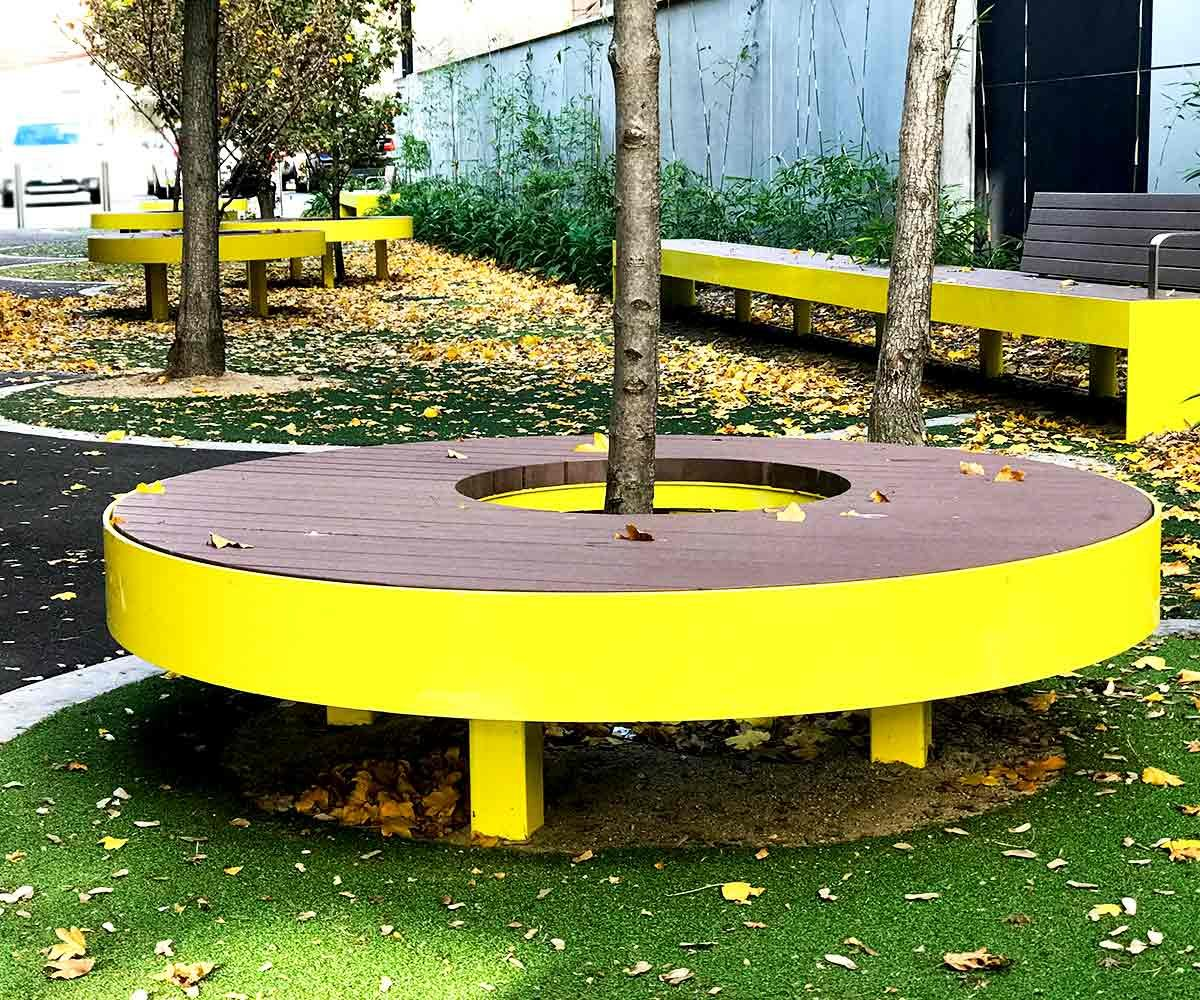 Round bench seats in enviroslat