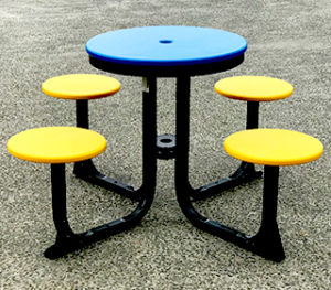 Recycled plastic 4 seat Satellite table