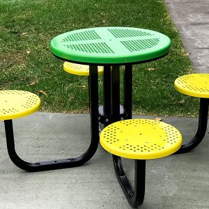 4 seat outdoor cafe setting
