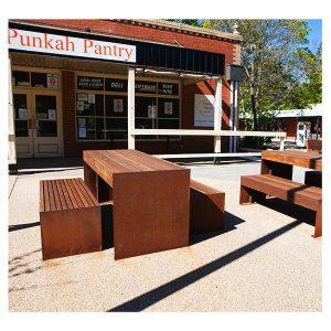 Hobart Table Setting