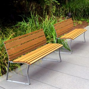 Airlie freestanding park seats with back