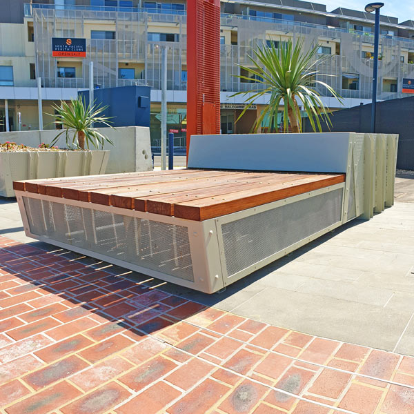 Mentone Station Planter Bench