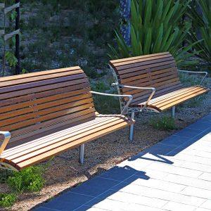 Monash Uni Seat with back